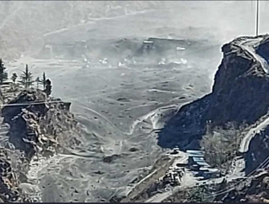 Water level of Dhauliganga river rises due to breaking of glacier in Chamoli, great damage to Rishiganga power project
