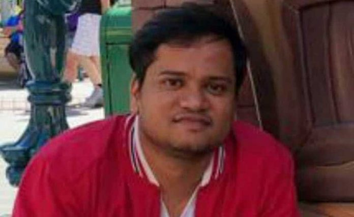 In Toolkit case two people took hard disk from Shantanu Muluk's house, claiming to be a policeman