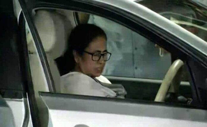 Mamata Banerjee left the hospital in a wheelchair after 2 days when she was injured