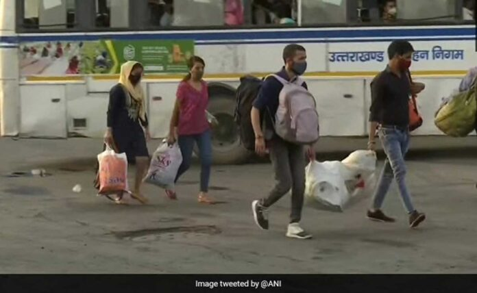 Covid-19 Spike Migrant workers are leaving Delhi for fear of lockdown