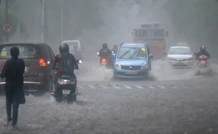 Power failure in 2 districts of Maharashtra from Cyclone Tauktae, disrupted power supply of 18.43 lakh consumers
