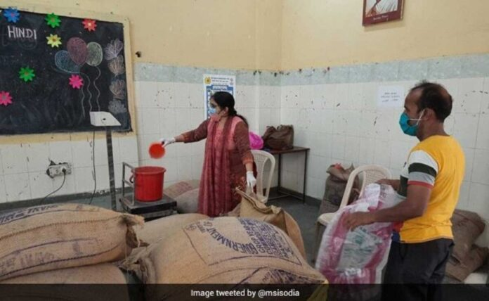 Delhi Government More than 4.5 lakh got food grains without ration card