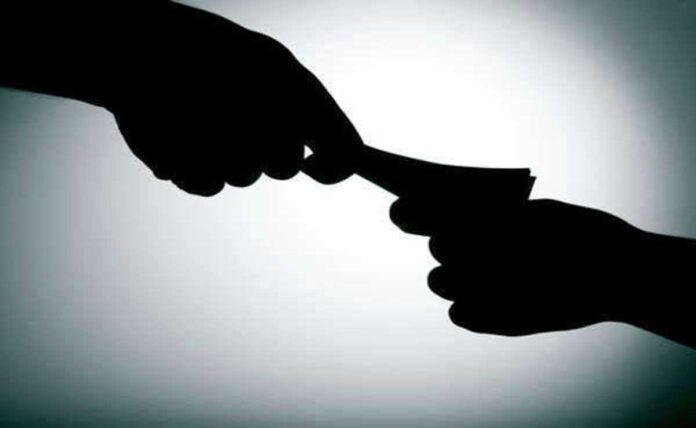 Jharkhand Police Suspended While Collecting Extortion