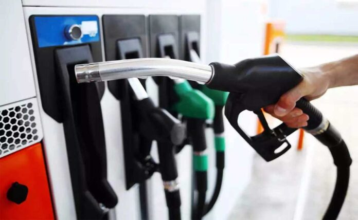Petrol, Diesel Prices Hike Despite Crude Oil Prices Fall