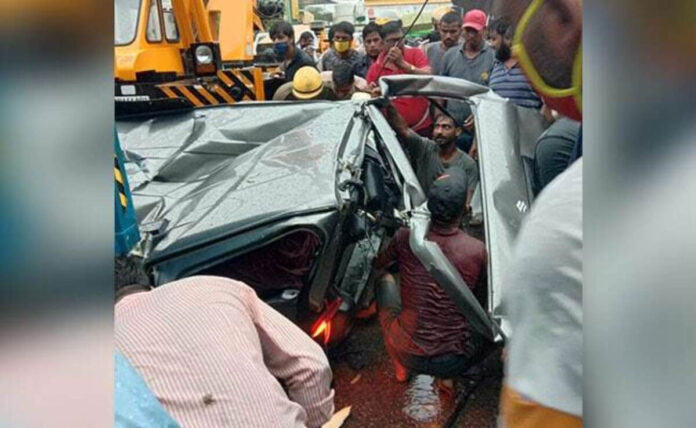 Delhi: 6 injured after being hit by a truck in Wazirabad area
