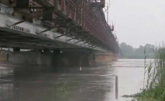 Yamuna river above danger mark alert issued in Delhi