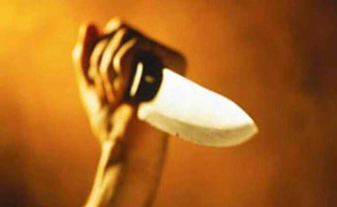 3 arrested for stabbing in Delhi Victim admitted to hospital