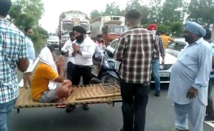 Farmers block highways to protest police action in Haryana