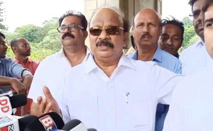 Former Karnataka minister Roshan Baig's house raided: Ponzi scam case