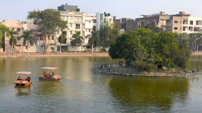 Boating starts at Delhi Model Town Naini Lake
