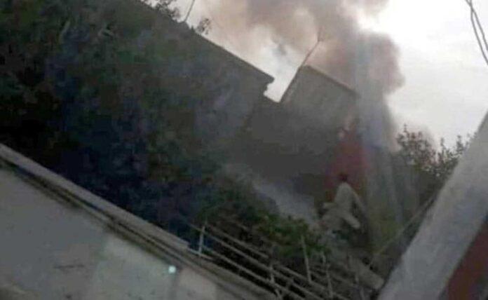 Rocket attack near Kabul airport amid warnings of new attack