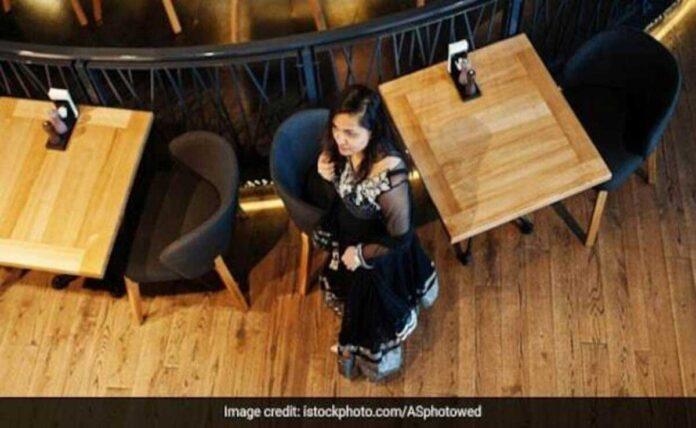 Aquilarestaurant responds after criticism over sari video