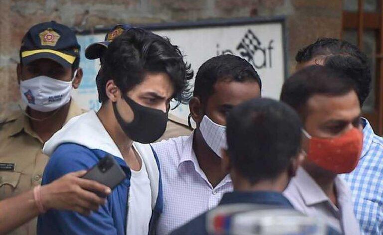 """Aryan Khan ने कहा व्हाट्सएप चैट की """"गलत व्याख्या"""" कर उन्हें फँसाया जा रहा है"""