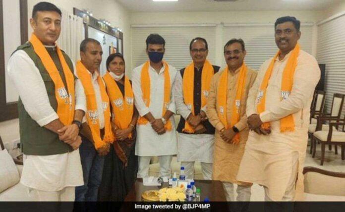 Former Congress MLA joins BJP ahead of bypoll in Madhya Pradesh