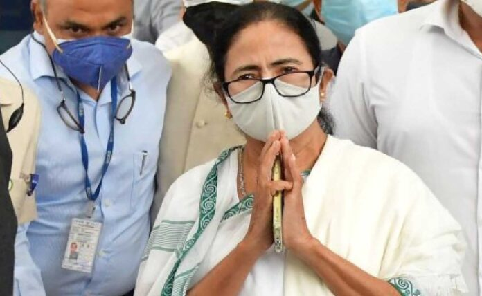 Mamata Banerjee retains chief minister's post with easy victory in bypolls