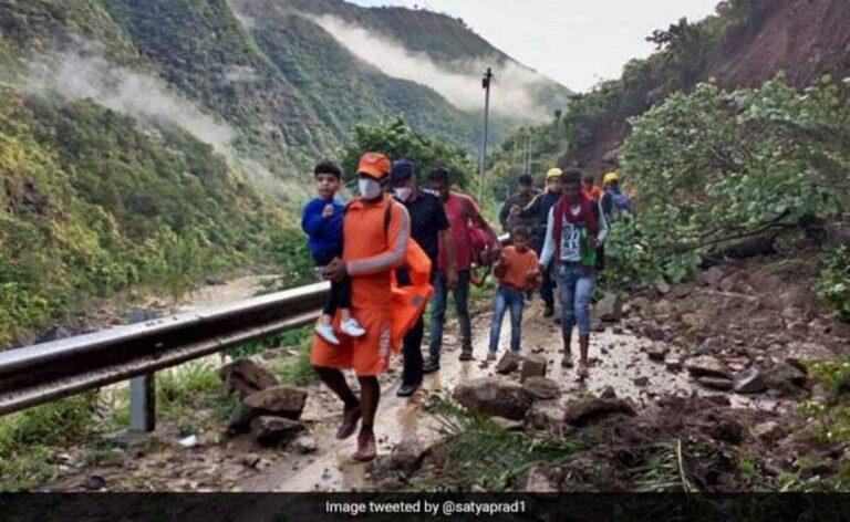Uttarakhand के रानीखेत, अल्मोड़ा, बारिश के बीच राज्य से कटे, ईंधन की कमी