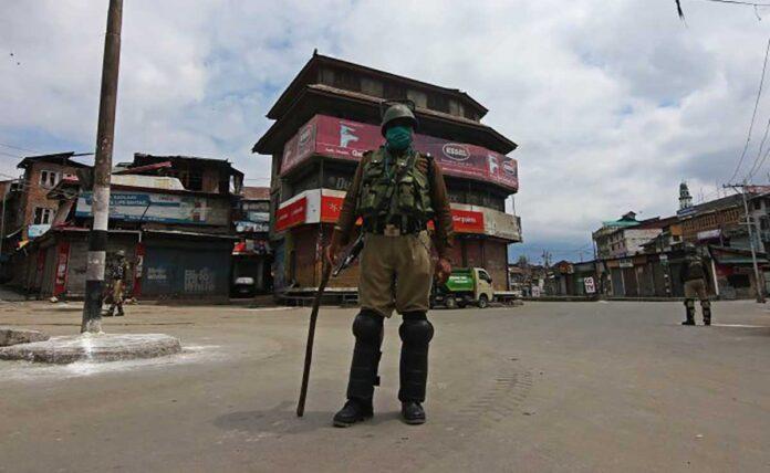 After chemist, 4 including 2 teachers killed in Srinagar